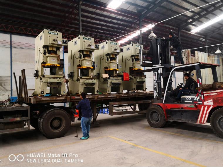 佛山五金制造业工厂搬迁,专业服务保障价值500万元设备完好无损