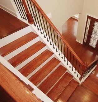 木楼梯踏步板的清洁技巧_浦东保洁公司
